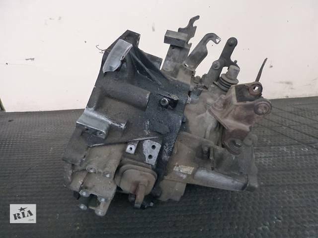 купить бу Б/у кпп для легкового авто Mazda MPV II 2,0CITD 99-04 в Яворове