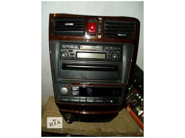 продам Б/у центральная консоль  Nissan Maxima QX 2002 бу в Одессе