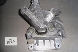 б/у Кронштейны усилителя бампера Renault Modus