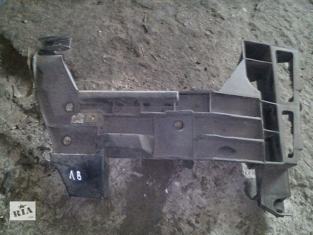 продам Б/у кронштейн крепления левого клыка для легкового авто Renault Master бу в Ковеле