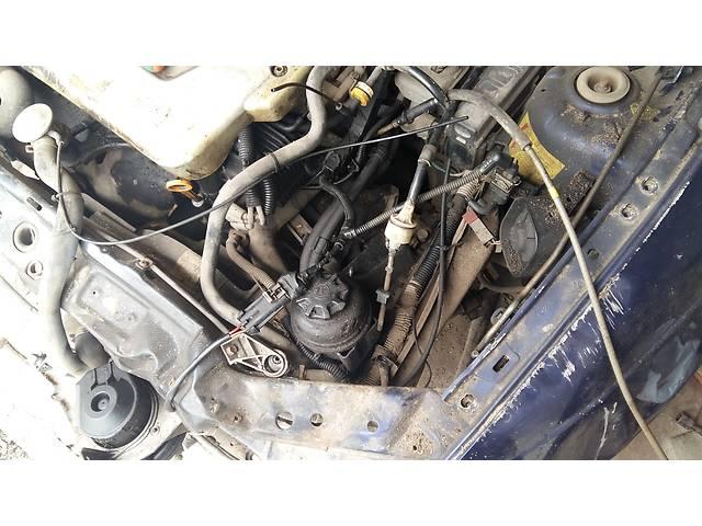 Б/у кронштейн крепления радиатора для купе Opel Tigra- объявление о продаже  в Ровно
