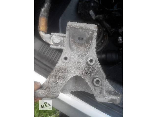 продам Б/у кронштейн крепления радиатора для легкового авто Audi A6 бу в Львове