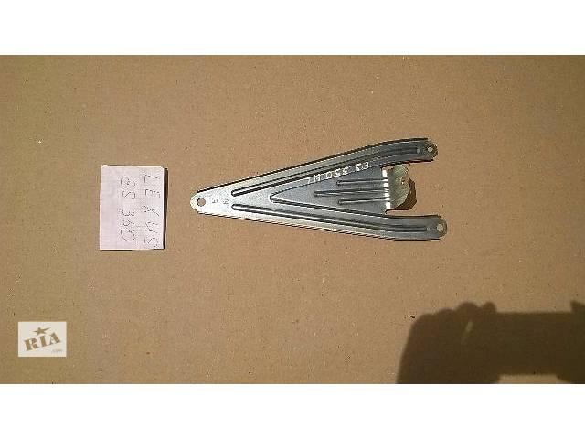 Б/у кронштейн задней карты двери 67646-33010 для седана Lexus ES 350 2007г- объявление о продаже  в Киеве