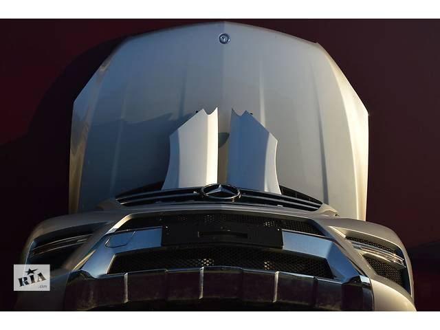 купить бу Б/у крыло переднее для легкового авто Mercedes ML-Class w166 11- в Львове