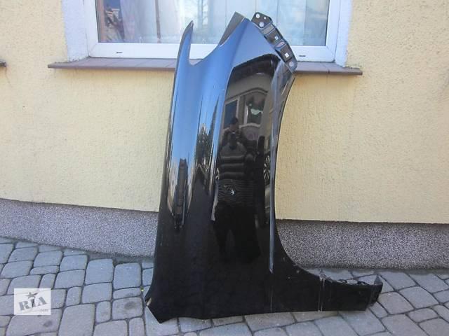 купить бу Б/у крыло переднее для легкового авто Toyota Land Cruiser 200 в Ровно
