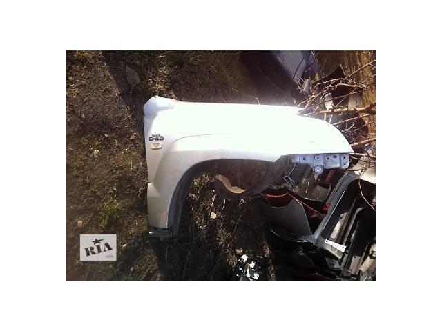 бу Б/у крыло переднее для легкового авто Toyota Land Cruiser Prado 150 в Ровно