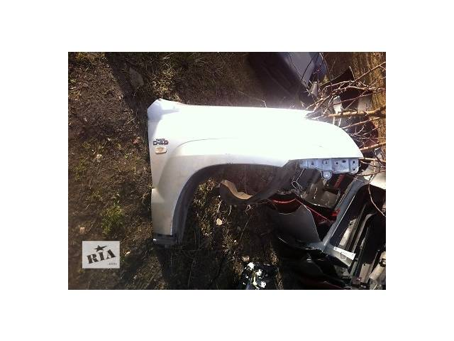 купить бу Б/у крыло переднее для легкового авто Toyota Land Cruiser Prado 150 в Ровно