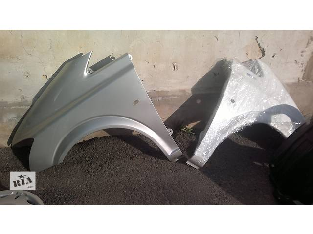 продам Б/у крыло переднее для легкового Mercedes Viano бу в Ровно