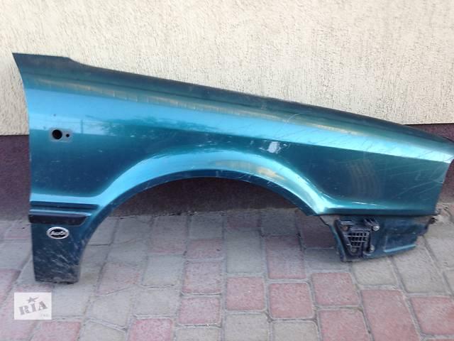 купить бу Б/у крыло переднее для седана Audi 80 в Владимир-Волынском