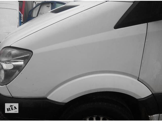 купить бу  Б/у крыло переднее Mercedes Sprinter 906 (215, 313, 315, 415, 218, 318, 418, 518) 2.2 3.0 CDI (2006-2012) в Ровно
