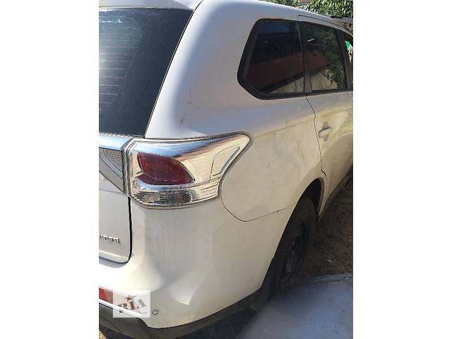 продам Б/у крыло заднее для легкового авто Mitsubishi Outlander бу в Киеве
