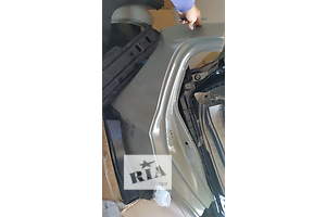 б/у Крылья задние Toyota Yaris