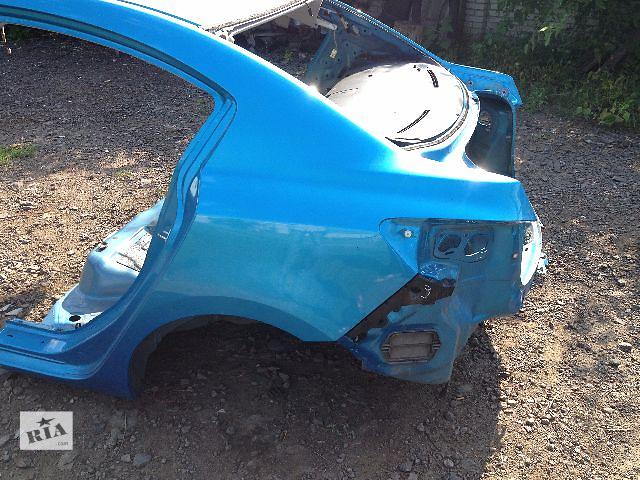 купить бу Б/у крыло заднее L+R для седана Mazda 3 2010 в Ровно