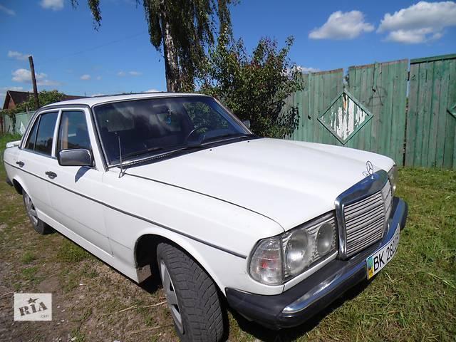 купить бу Б/у крыло заднее для седана Mercedes 123 в Дубно (Ровенской обл.)