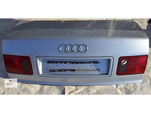 продам Б/у крышка багажника для легкового авто Audi A8 D2 бу в Львове