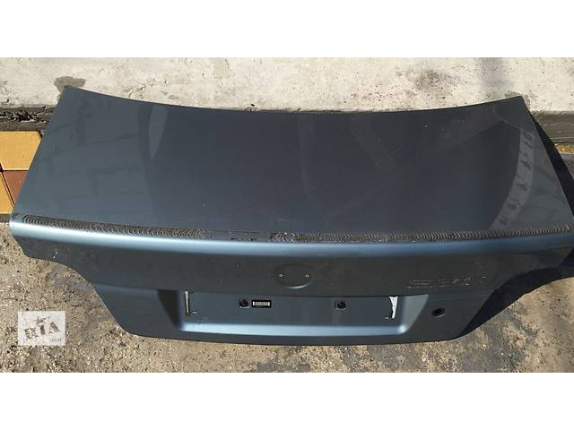 купить бу Б/у крышка багажника для легкового авто BMW 5 Series в Киеве