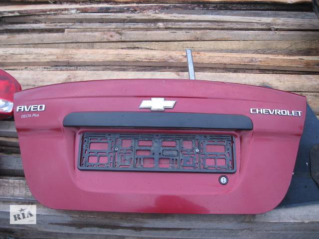 продам Б/у кришка багажника для легкового авто Chevrolet Aveo бу в Львове