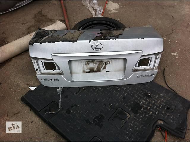 купить бу Б/у крышка багажника для легкового авто Lexus ES в Ровно