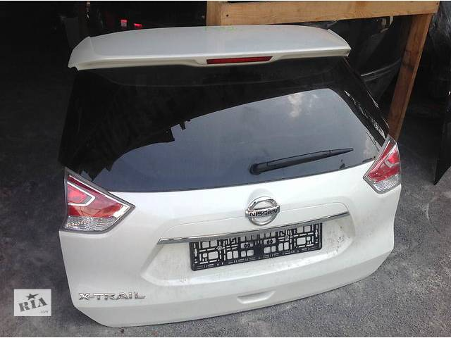 купить бу Б/у крышка багажника для легкового авто Nissan X-Trail в Ровно