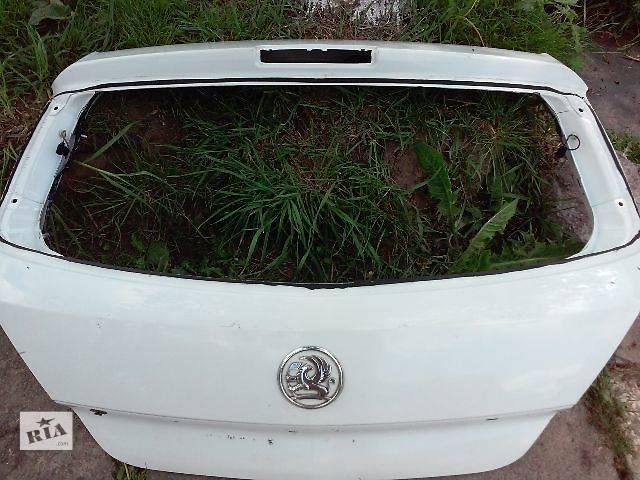 продам Б/у крышка багажника для легкового авто Opel Astra H Hatchback бу в Ровно