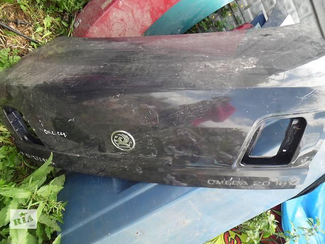 купить бу Б/у крышка багажника для легкового авто Opel Omega B в Дубно