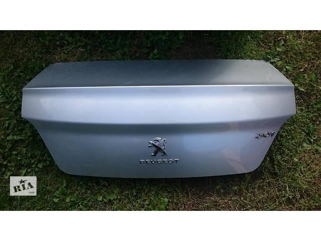 купить бу Б/у крышка багажника для легкового авто Peugeot 301 в Львове