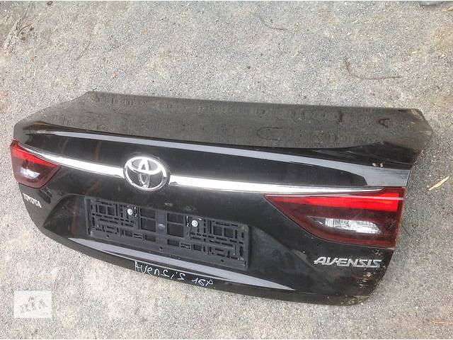 купить бу Б/у крышка багажника для легкового авто Toyota Avensis в Ровно