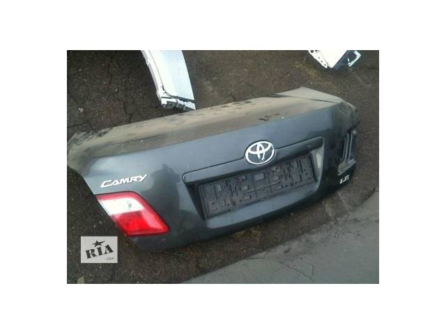 продам Б/у крышка багажника для легкового авто Toyota Camry бу в Ровно