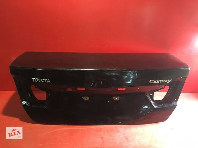 купить бу Б/у крышка багажника для легкового авто Toyota Camry в Ровно