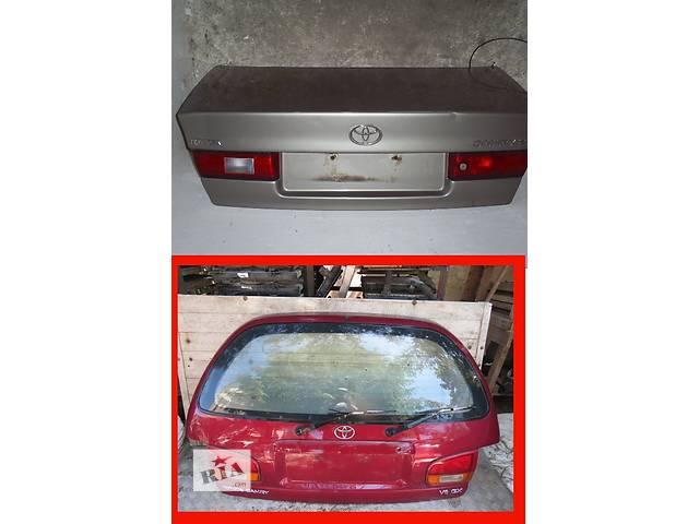 бу Б/у крышка багажника для легкового авто Toyota Camry в Львове