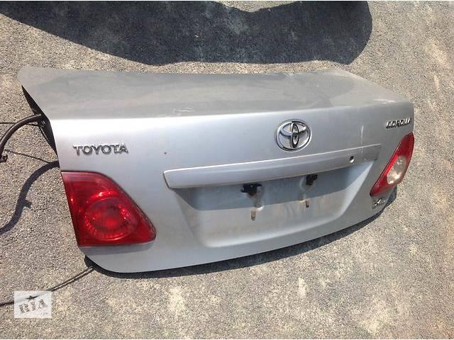 бу Б/у крышка багажника для легкового авто Toyota Corolla в Ровно