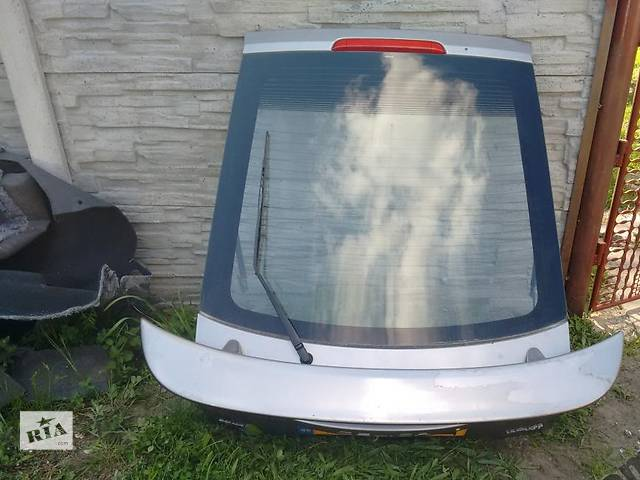 бу Б/у крышка багажника для легкового авто Toyota Corolla в Львове