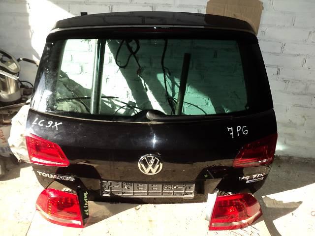 продам Б/у Крышка багажника для легкового авто Volkswagen Touareg 7P LC9X бу в Луцке