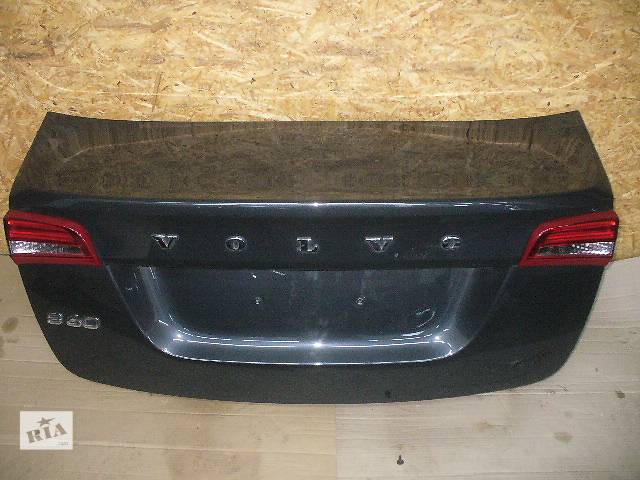 бу Б/у крышка багажника для легкового авто Volvo S60 в Львове