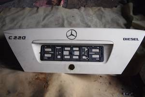б/у Крышка багажника Mercedes C 200