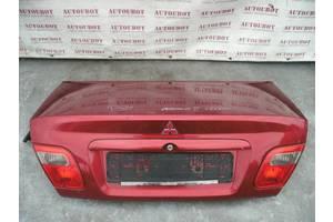 б/у Крышки багажника Mitsubishi Carisma