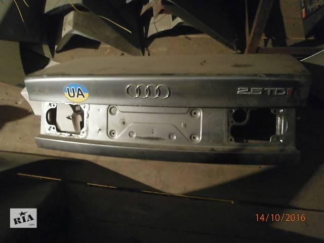 купить бу Б/у кришка багажника для седана Audi A6 в Львове
