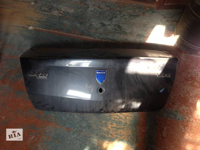 купить бу Б/у крышка багажника для седана Dacia Logan Faza 1 в Запорожье