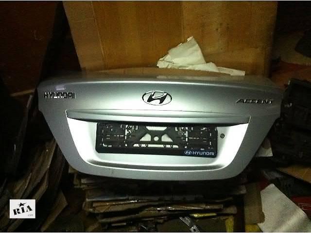 бу Б/у крышка багажника для седана Hyundai Accent в Киеве