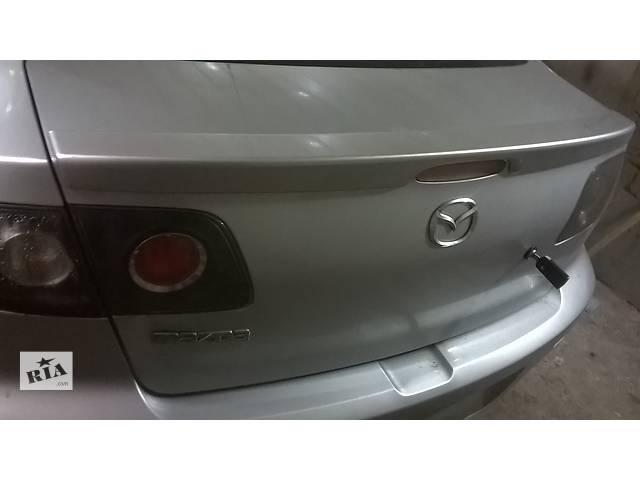 продам Б/у крышка багажника для седана Mazda 3 бу в Ровно