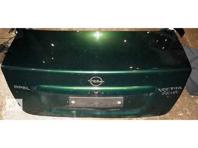 продам Б/у крышка багажника для седана Opel Vectra B бу в Херсоне