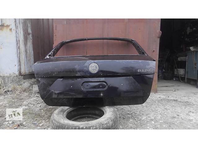 купить бу Б/у крышка багажника для седана Skoda Rapid в Львове