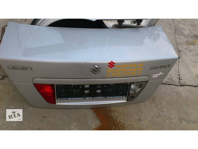 Б/у крышка багажника для седана Suzuki Liana- объявление о продаже  в Ровно