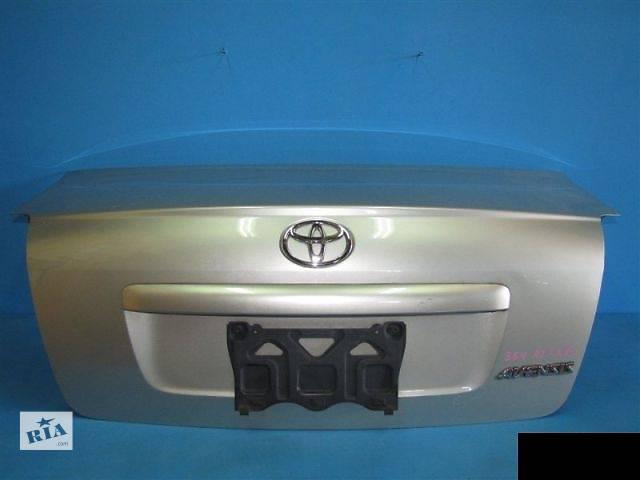 продам Б/у крышка багажника для седана Toyota Avensis 2004год  бу в Березовке