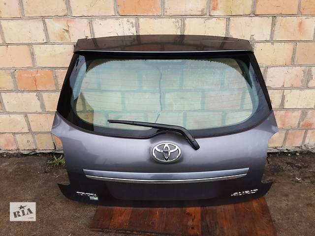 продам Б/у крышка багажника комплектная для легкового авто Toyota Auris бу в Киеве