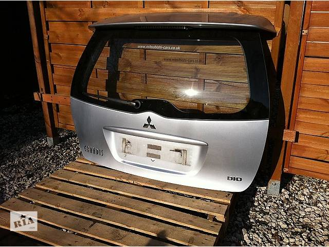 бу Б/у крышка багажника Mitsubishi Grandis в Киеве