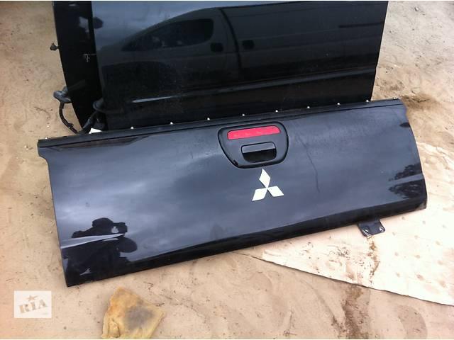 продам Б/у крышка багажника Mitsubishi L 200 бу в Киеве