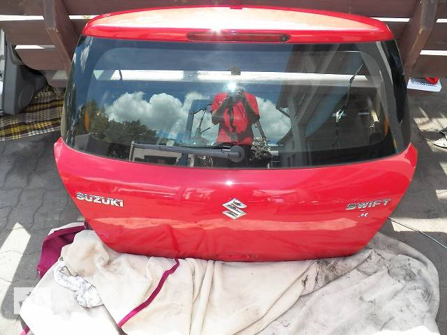 купить бу Б/у крышка багажника  Suzuki Swift в Киеве