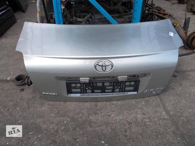 купить бу Б/у крышка багажника Toyota Avensis в Киеве