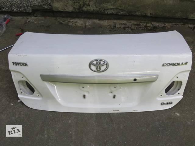 купить бу Б/у крышка багажника Toyota Corolla в Киеве
